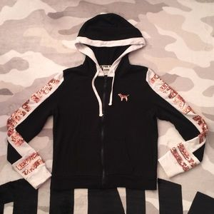 🛍$45 IF BUNDLE.VS Pink limited edition hoodie